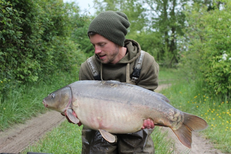 41lb, Bachelier's, May 17