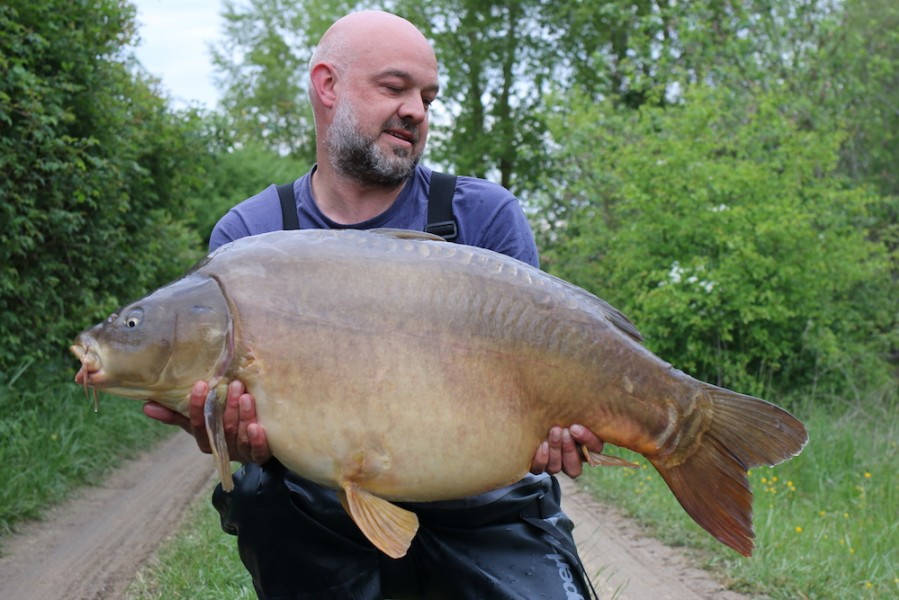 Keith with Ron's 47lb Bachelier's, 29.4.17