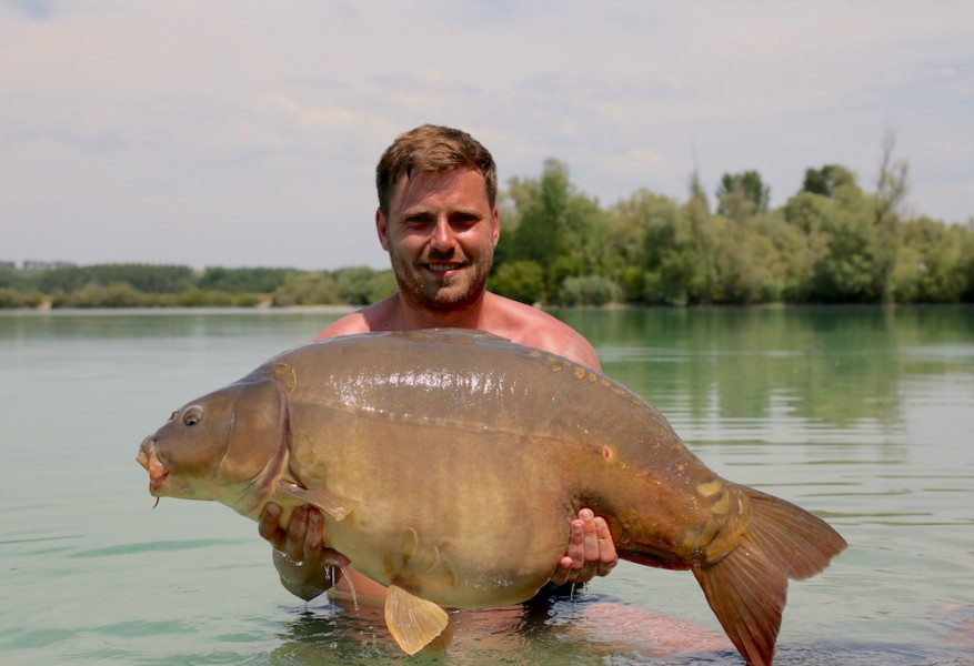 Brad Foulkes fished a couple of nights from Dunkerque at landed Frankie at 48lb 1.7.17
