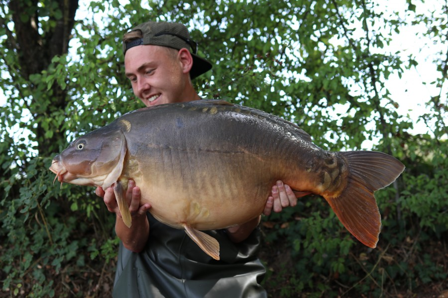 Joe Reed with Lazy's Mirror at 36lb 4oz from The Beach 17/8/2019