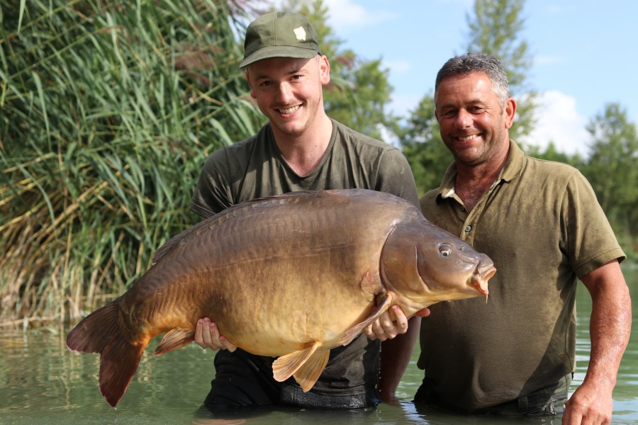Nigel Badger with Ron's at 54lb from the Goo 17/8/2019