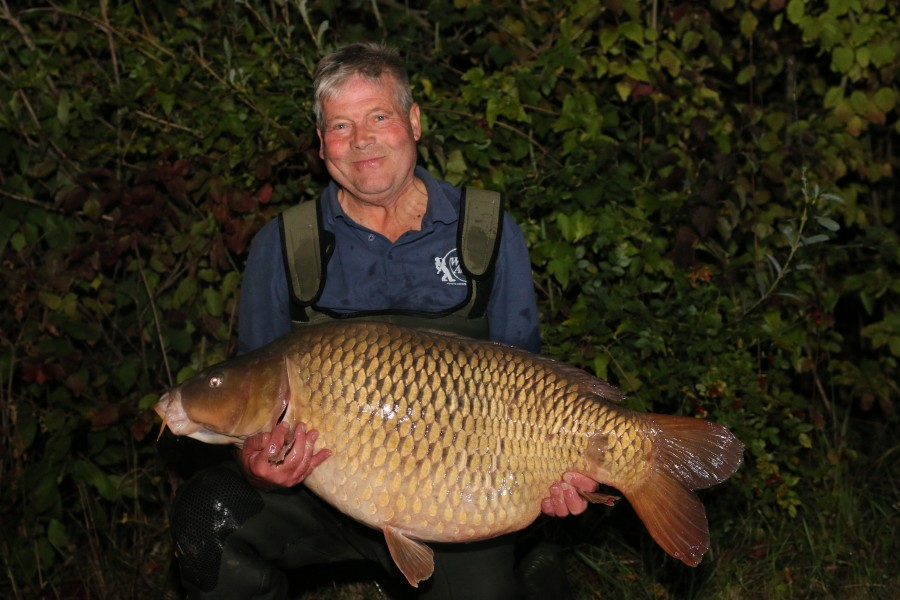 Graham White with Nailed at 47lb 8oz..........